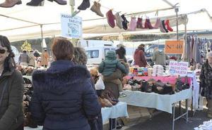 Sorprenden a dos carteristas el miércoles cuando actuaban en el mercado franco de Cáceres