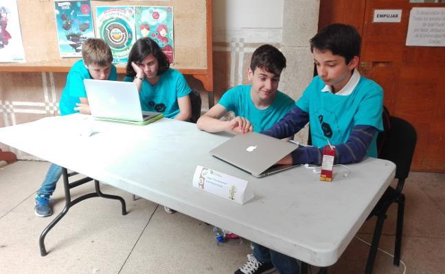 Un videojuego y árboles de sal ganan en la IV Feria de la Ciencia de Almendralejo