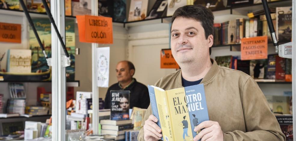 Manuel Bartual lleva su juego de Twitter a novela