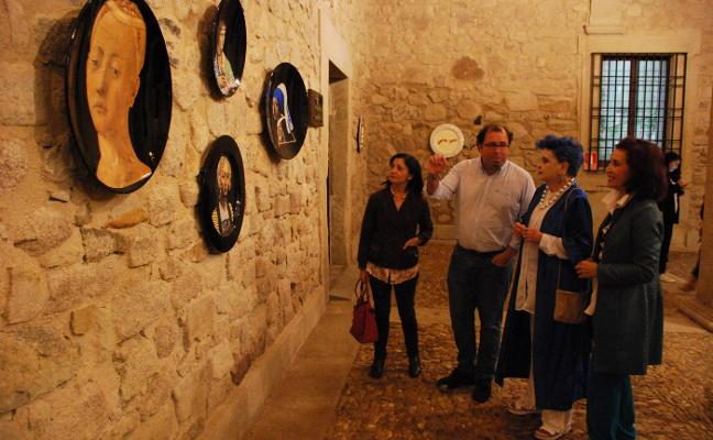 Lucía Bosé inaugura su 'Piatti' en Trujillo