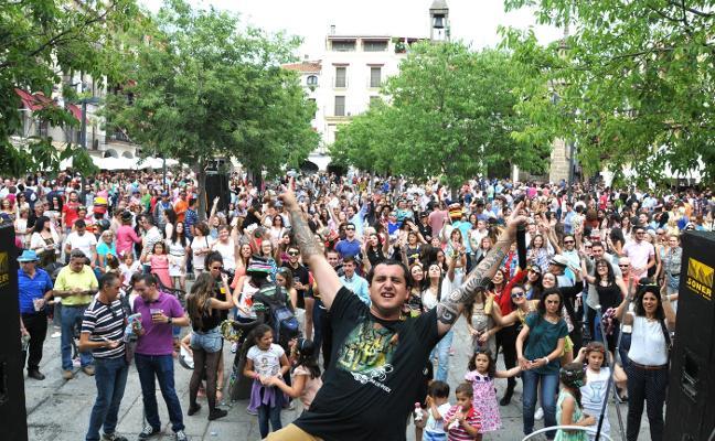 La Plaza Mayor volverá a tener música en ferias y otras zonas preparan ambientación propia