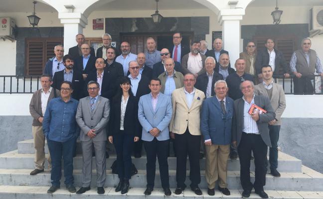Los cronistas oficiales de la región celebran en Hornachos su séptima asamblea general