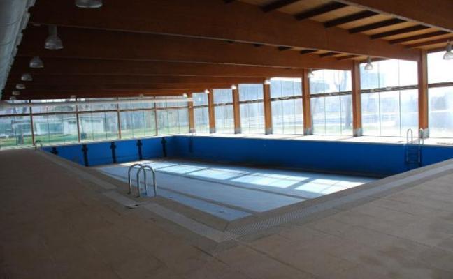 Casero explica, de nuevo, por qué no se abre la piscina climatizada