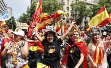 Un millar de personas se manifiestan en Barcelona por la unidad de España