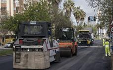 Las obras de asfaltado continúan en Badajoz este lunes en las calles Violeta y Dolores Rodríguez Sopeña