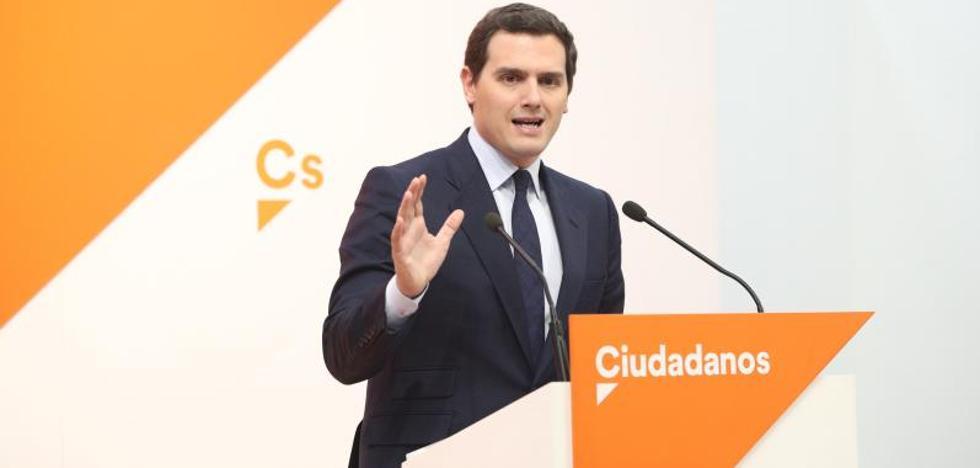 Rivera ofrece a Rajoy pactar el final de la legislatura y convocar elecciones para otoño