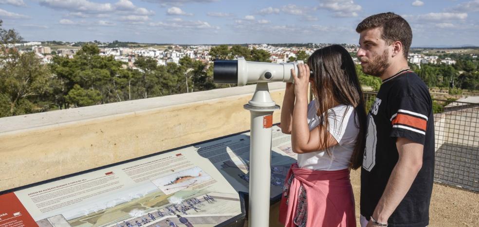 Unos prismáticos para imaginar la toma de Badajoz