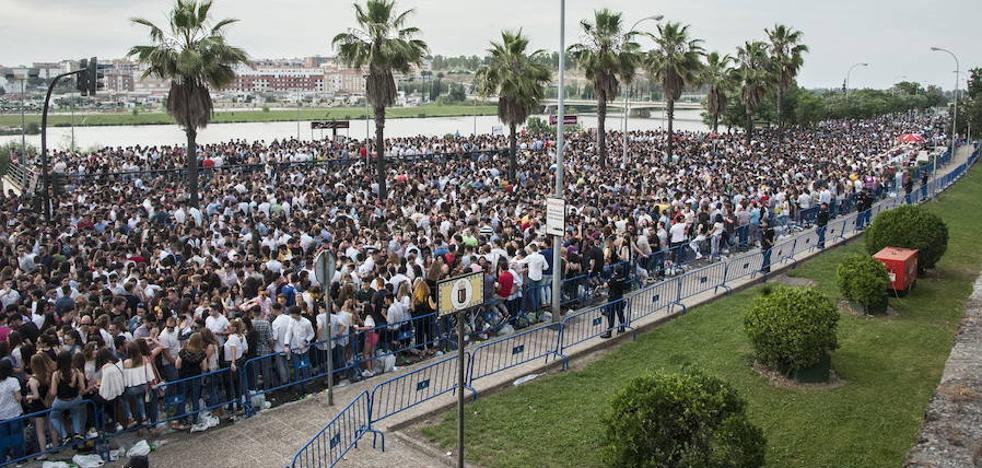 Badajoz volverá a permitir el botellón en Puerta de Palmas por Los Palomos