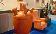 Más visitantes y ventas en la XXIV Feria de la Alfarería y el Barro, que ha acertado con la nueva ubicación