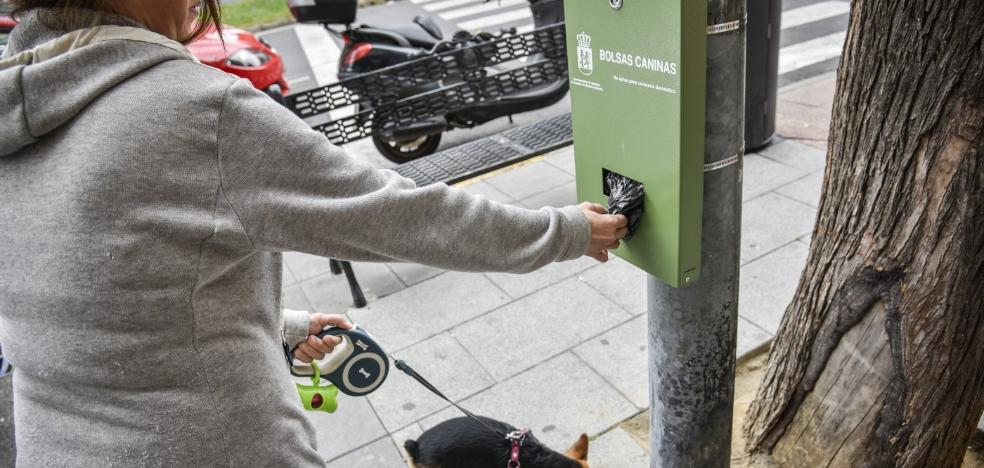Badajoz tendrá 75 expendedores de bolsas para heces de perros