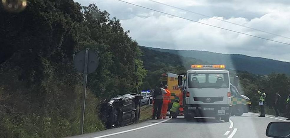 Dos mujeres heridas en un accidente frontal entre dos coches en la carretera que une Jerez y Oliva