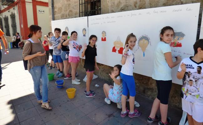 Una veintena de actividades esperan desde el lunes en la Feria del Libro de Navalmoral