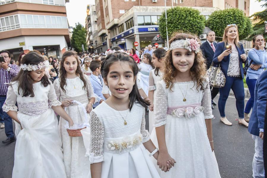 La procesión del Corpus recorre el centro de Badajoz