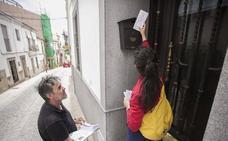 Los vecinos creen que el Ayuntamiento de Cáceres ha hecho dejación de funciones con el plomo