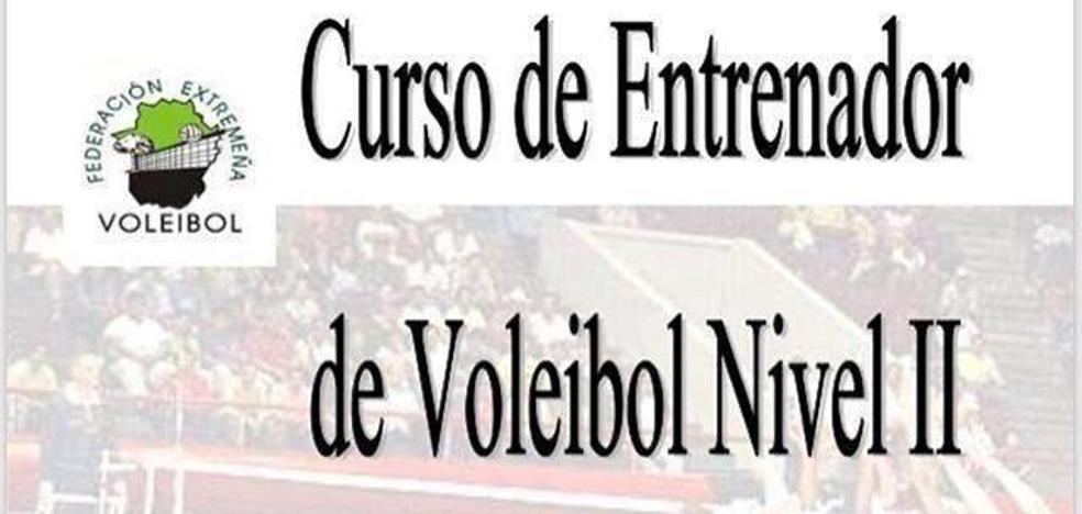 La FEXVB elige al cuerpo técnico del Extremadura Arroyo para sus cursos de entrenador de voleibol