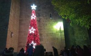 Arroyo de la Luz dio la bienvenida a la Navidad con el encendido de las Luces