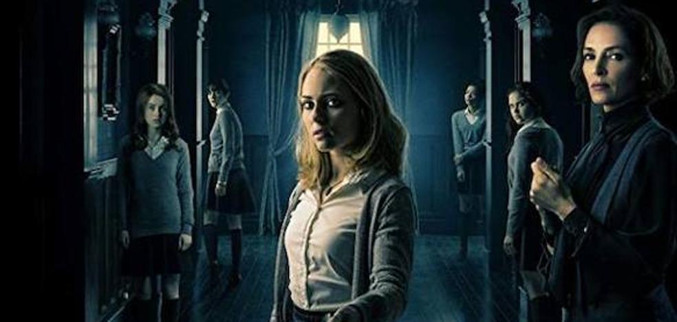 La película para hoy domingo es 'Down a Dark Hall'