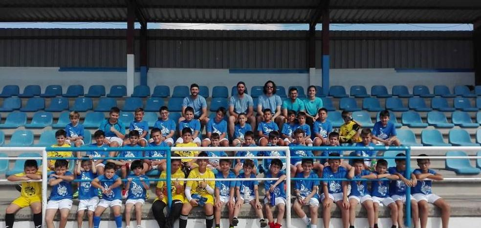Pebetero vuelve con su campus de fútbol a Arroyo de la Luz