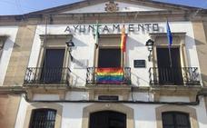 El Ayuntamiento de Arroyo de la Luz se unió a la celebración del Día Internacional del Orgullo LGTBI