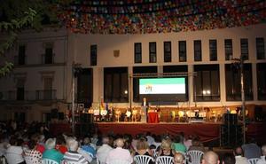 La Hermandad de San Cristóbal, Vicente Caballero y Cesar Galán Gibello, a título póstumo, reciben la Medalla de Arroyo de la Luz