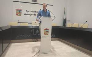 Carlos Caro, alcalde de Arroyo de la Luz, informa en sesión plenaria de los primeros 100 días de gobierno