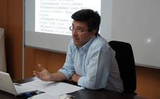Francisco Javier García, cronista de Arroyo de la Luz, participará en el programa de radio de la Comandancia de la Guardia Civil con motivo de su 175 aniversario