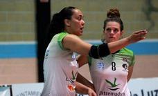 Formidable debú del Extremadura Arroyo, 3-0 ante Covadonga, con una estelar Flavia Lima
