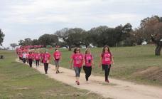 Arroyo de la Luz volvió a teñirse de rosa por el Día Mundial del Cáncer de Mama