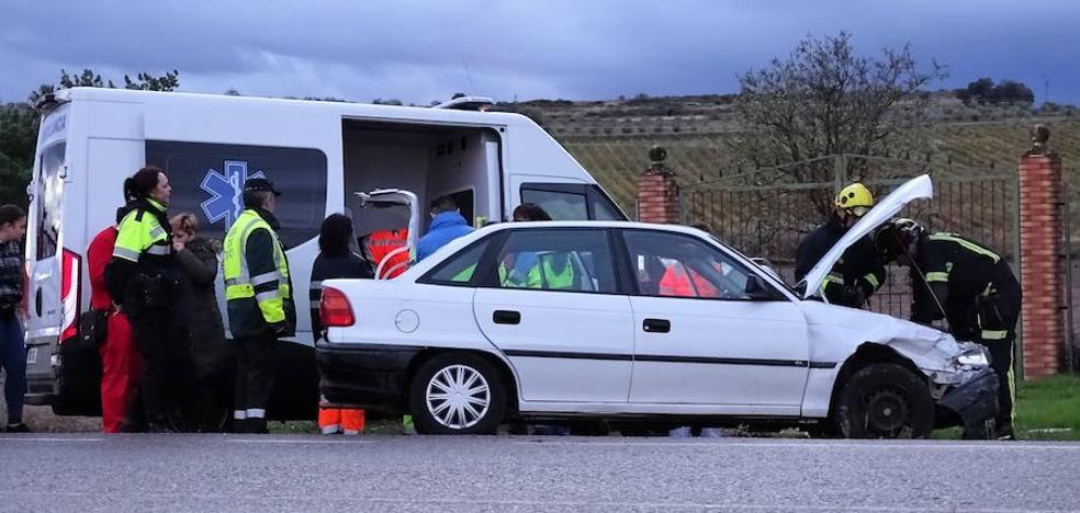 Colisión múltiple en el cruce de automóviles hermanos Navarro