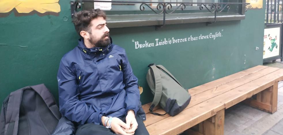 Juan Álvarez: «Aquí es más fácil encontrar trabajo que casa»
