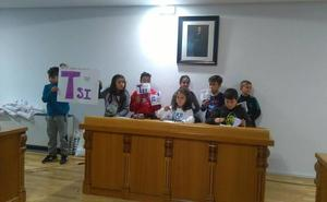 Los escolares celebran los 40 años de Constitución en el ayuntamiento
