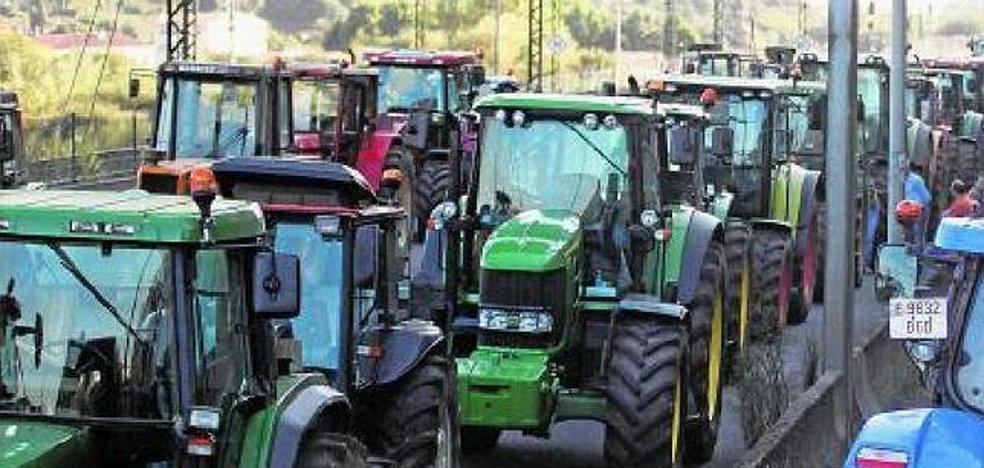 Salidas norte y sur cortadas por huelga de tractoristas