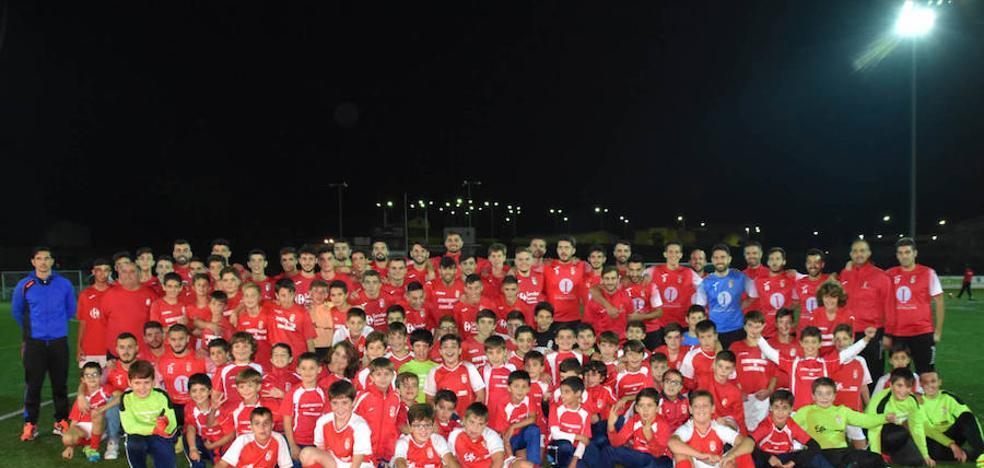 El 'Campa' reúne sobre el césped del Ejido a todos sus equipos