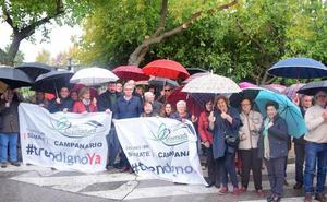 Más de un centenar de vecinos acuden a Cáceres para exigir un tren digno