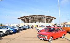 La concentración de clásicos reúne en Campanario a 85 vehículos