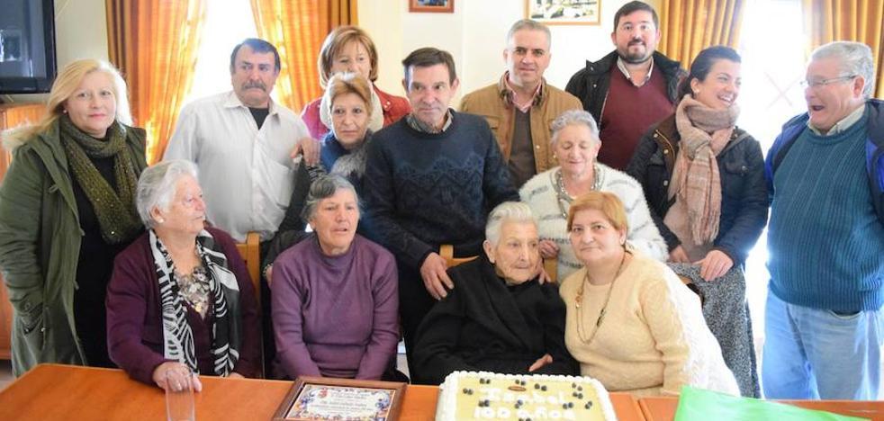 La vecina campanariense Isabel Gallardo cumple 100 años