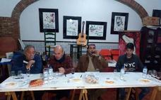 Un total de 26 caldos participan en el concurso de vinos de pitarra de la peña flamenca