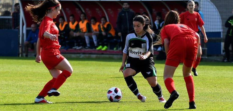 La campanariense María Cabrera vuelve a defender la camiseta de la selección extremeña