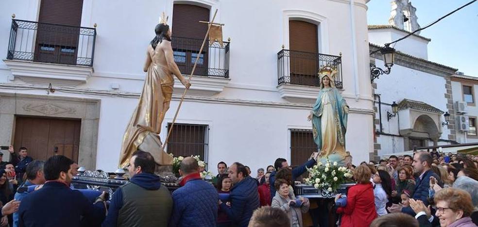 La procesión del Resucitado pone el broche a la Semana Santa en Campanario