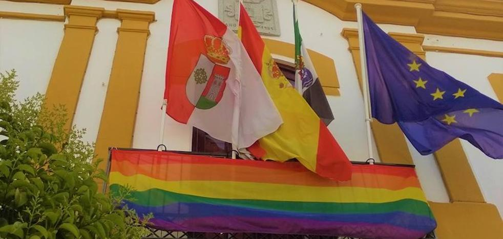 El Ayuntamiento de Campanario se suma a la conmemoración del Día Internacional contra la Homofobia