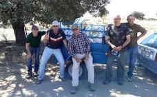 Los cazadores de Campanario recogen cerca de 100 kilos de basura del monte