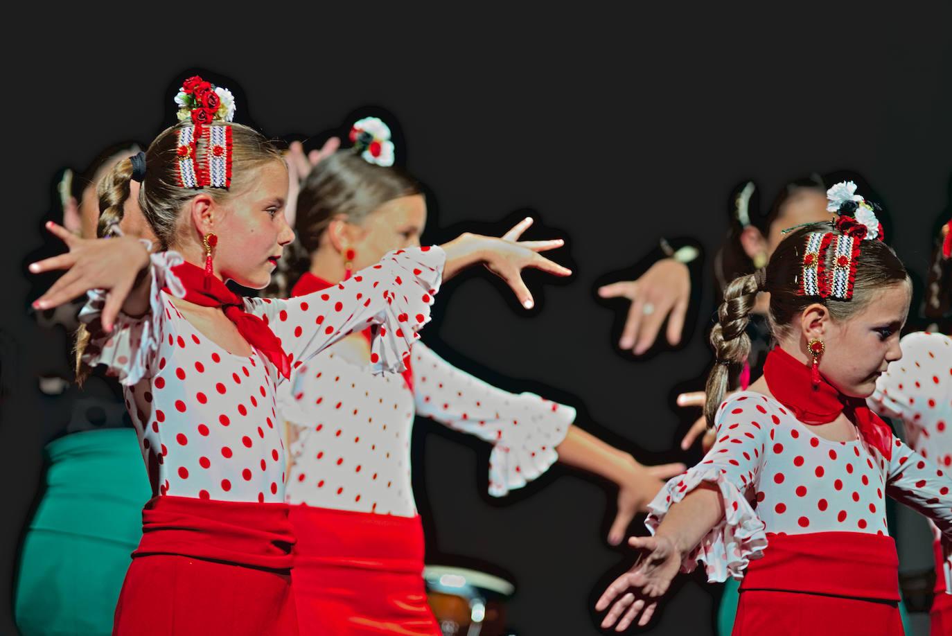 Los alumnos de la escuela de música y danza exhiben lo aprendido