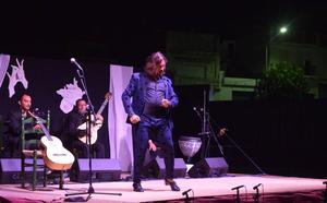 'El Farru' pone en pie al público de Campanario en la Noche Flamenca