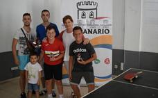 Buena participación en los torneos de ping pong y futbolín