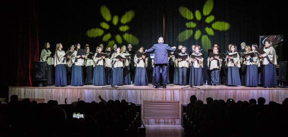 El Coro Voces Vivas despide a la Virgen de la Antigua en La Haba