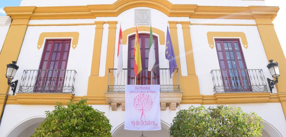 El Ayuntamiento se suma a la campaña de apoyo a la lucha contra el cáncer de mama