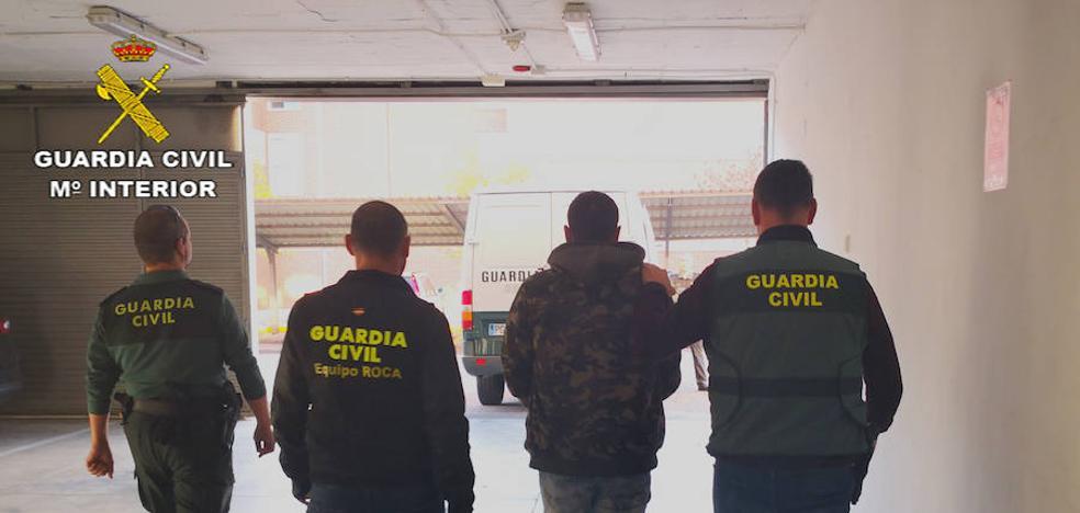 Detienen a tres integrantes de un grupo criminal por robos en Casar de Cáceres y Malpartida