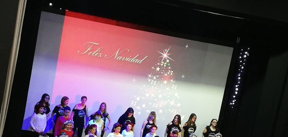 La Gala de Navidad recauda 626 euros para Adiscasar