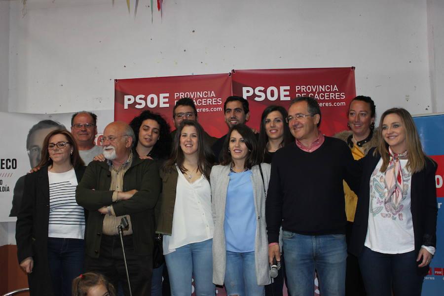 El PSOE presenta de forma oficial su candidatura respaldada mayoritariamente por mujeres