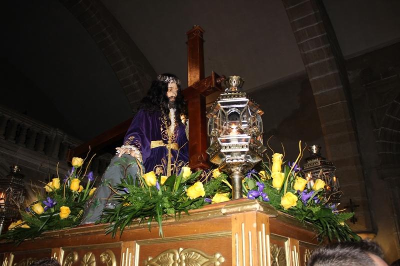 Nueve pasos representan hoy la procesión de La Pasión